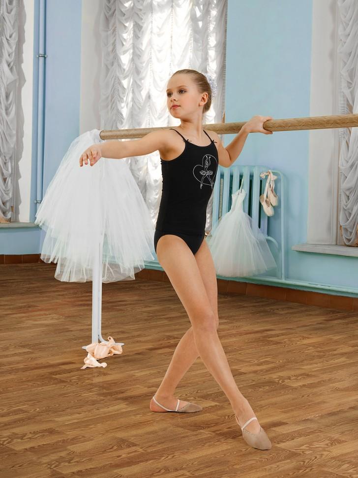 gimnastika-v-trusikah-doma-pozhilie-zhenshini-s-grudyu-desyatogo-razmera